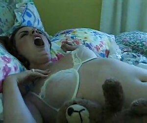 پدر بزرگ fucks داستان سکسی تصویری جدید در نوه نوجوان روی تخت