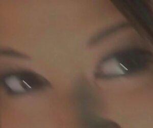 دورگه دختر شمار در مقابل یک مرد داستان های سکسی جدید در شورت صورتی و سپس اجازه می دهد تا از یک کار ضربه و می شود